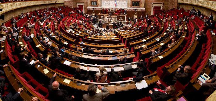 1024px-Panorama_de_l'hémicyle_de_l'assemblée_nationale
